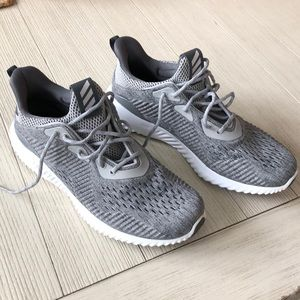 Adidas AlphaBounce Tennis Shoes